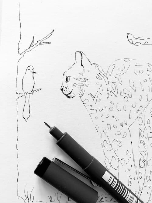 Auch der Vogel wird mit Bleistift vorgezeichnet und danach mit Fineliner nachgezogen