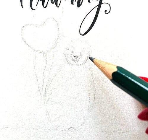 Du siehst wie Dodo mit dem Bleistift den kleinen Pinguin vorzeichnet