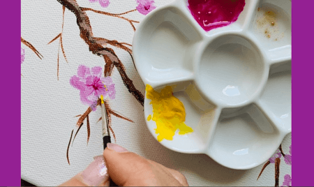 Acrylmalerei: Kirschblüten - Du siehst wie ich die Blütenstempel mit gelber Acrylfarbe male.