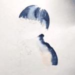 Jetzt wird der Pullover mit Indigoblau gemalt